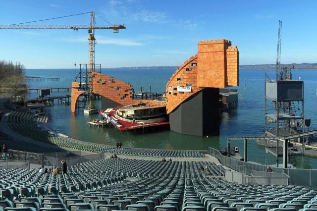 De Seebühne voor Turandot in 2015/16