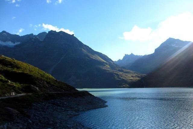 De prachtige Silvretta-Stausee niet ver van Gargellen