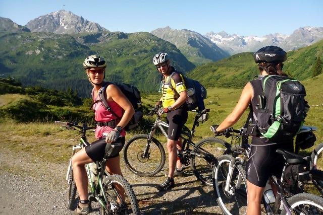 Mountain-biken nabij Gaschurn