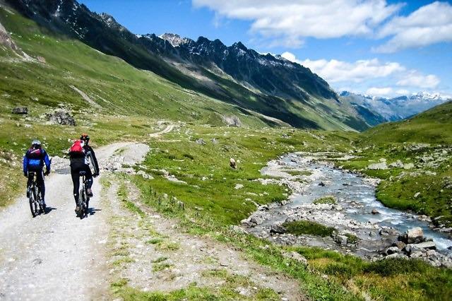 Per mountainbike door het Paznauntal