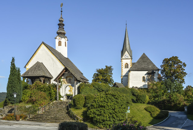 Een van de portalen van de Winterkirche