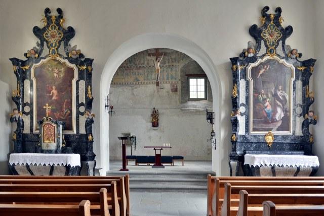 Gezien vanuit de aangebouwde kapel