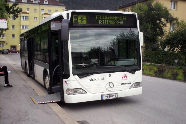 Deze bus brengt je naar het vliegveld van Innsbruck