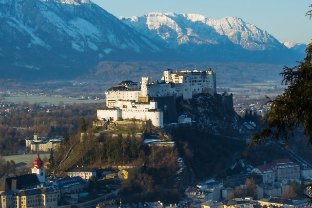 Hohensalzburg bovenop de Festungsberg in Salzburg