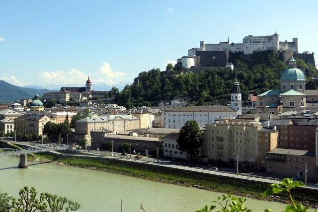 Salzburg met de Festung Hohensalzburg