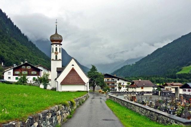 De Kuratienkirche van Gortipohl