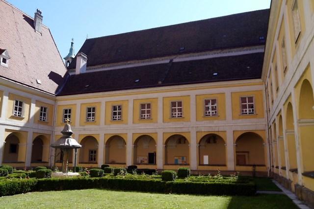 Onderdeel van de Bistumsgebäude
