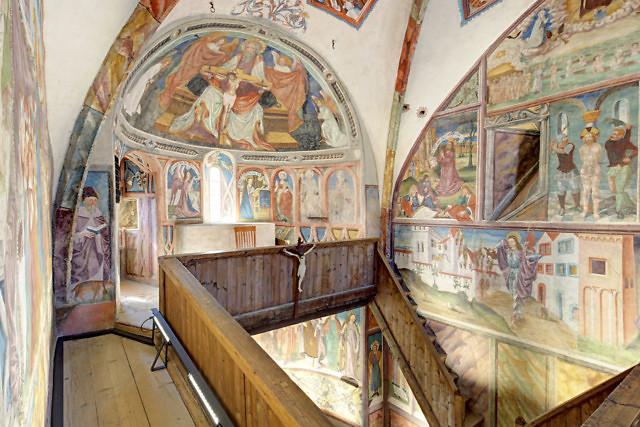 Wandschilderingen in de kapel
