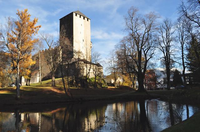 De bergfried van het kasteel