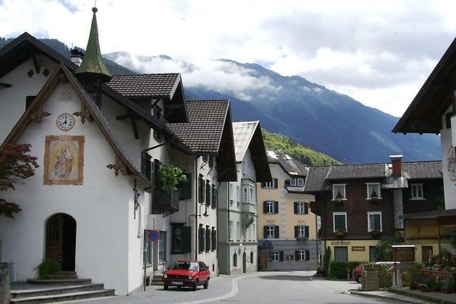 Het dorp Schruns in de Montafon