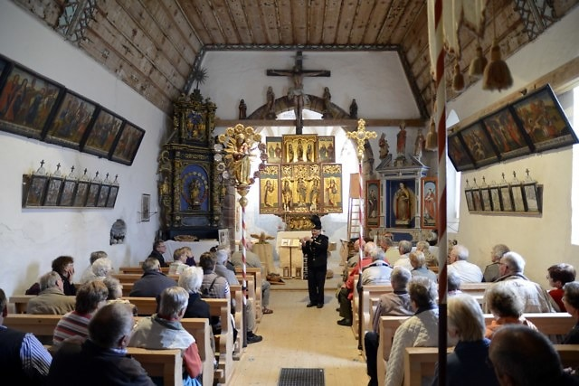 Binnenin de kerk van Kristberg