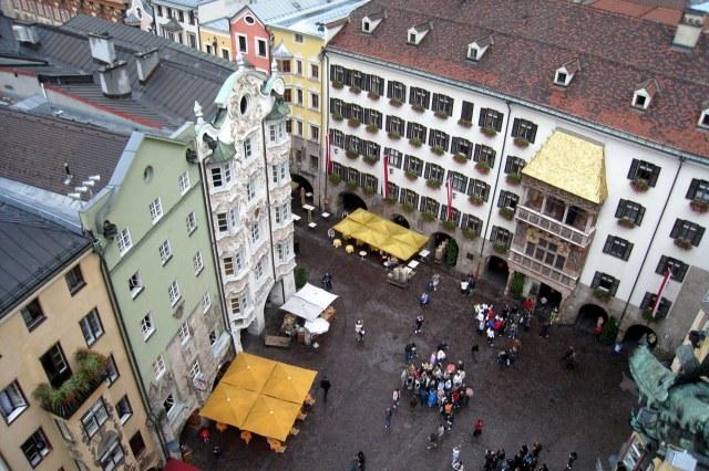 Uitzicht vanaf de Stadtturm op het Goldenes Dachl