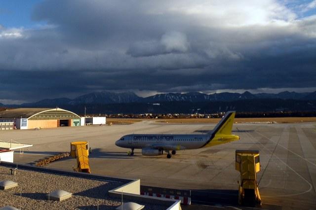 De luchthaven van Klagenfurt