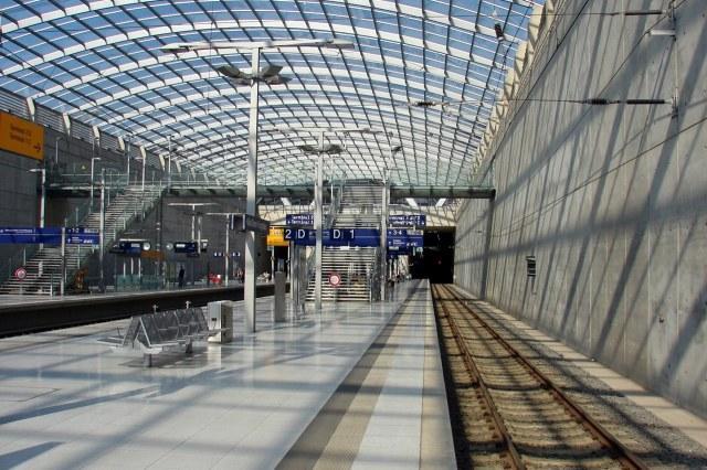 Het vliegveld van Keulen is goed met de trein bereikbaar