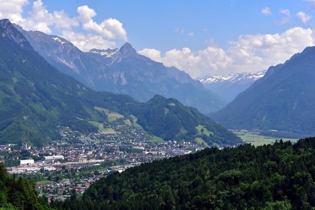 Bludenz gezien vanuit de bergen