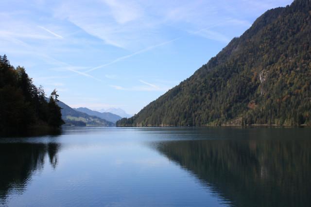 Het rustige oostelijke deel van het meer