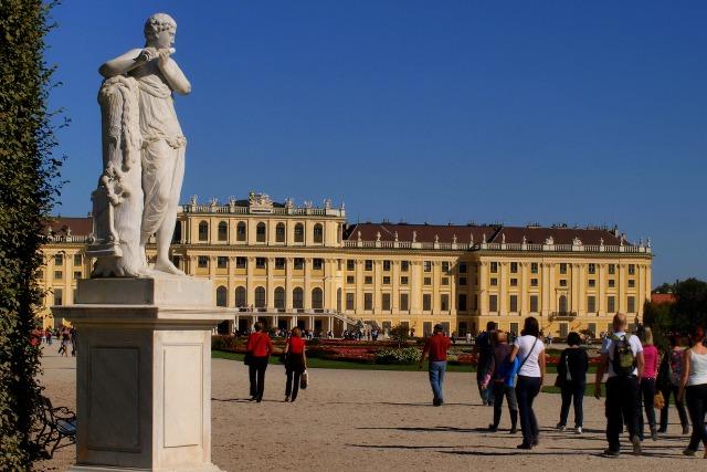 Schloss Schönbrunn gezien vanuit de tuinen